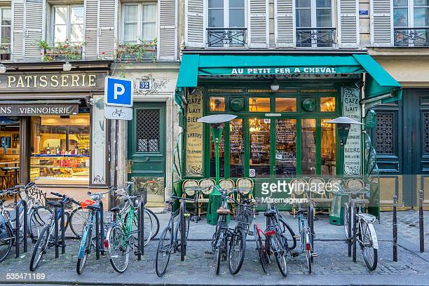 Marais district, bicycles