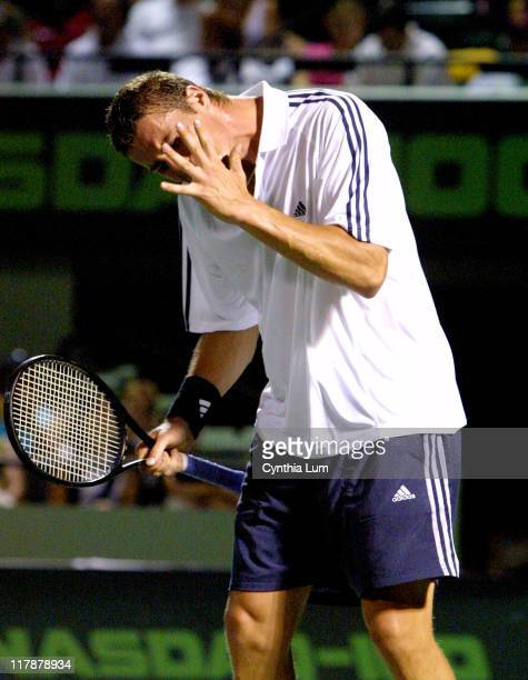 Marat Safin in agony over 3set loss to Lleyton Hewitt in quarterfinal match Hewitt won the match 26 62 76