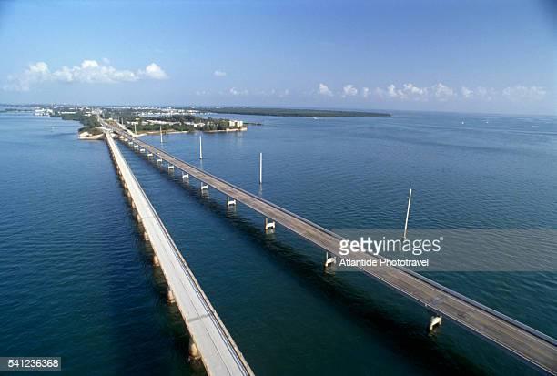marathon island and seven mile bridge - seven mile bridge stock pictures, royalty-free photos & images