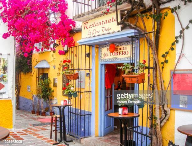marbella old town, costa del sol, spain - bairro antigo imagens e fotografias de stock