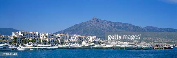 marbella / puerto banus - マルベーリャ ストックフォトと画像