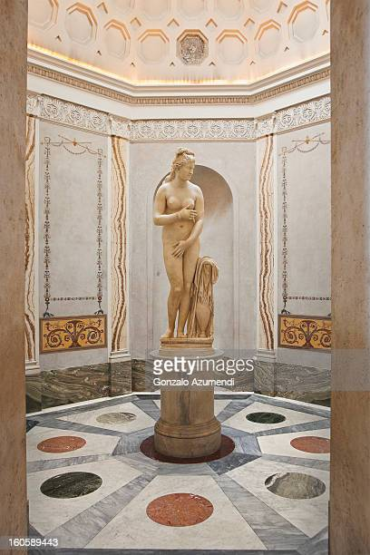 marble sculpture in capitoline museum. - venus roman goddess stock pictures, royalty-free photos & images