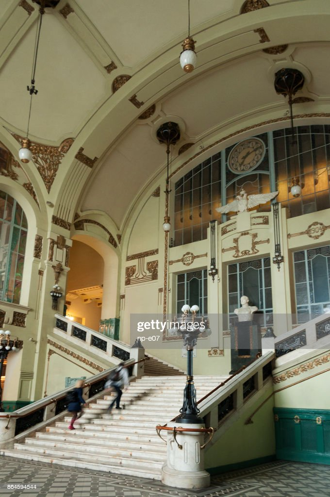 https://media.gettyimages.com/photos/marble-staircase-art-nouveau-interior-of-the-vitebskiy-railway-picture-id864594544