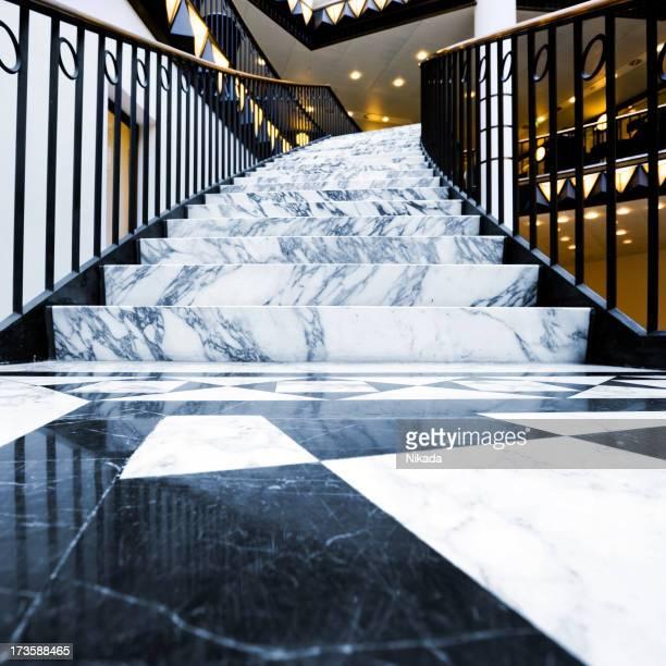 Treppenaufgang aus Marmor