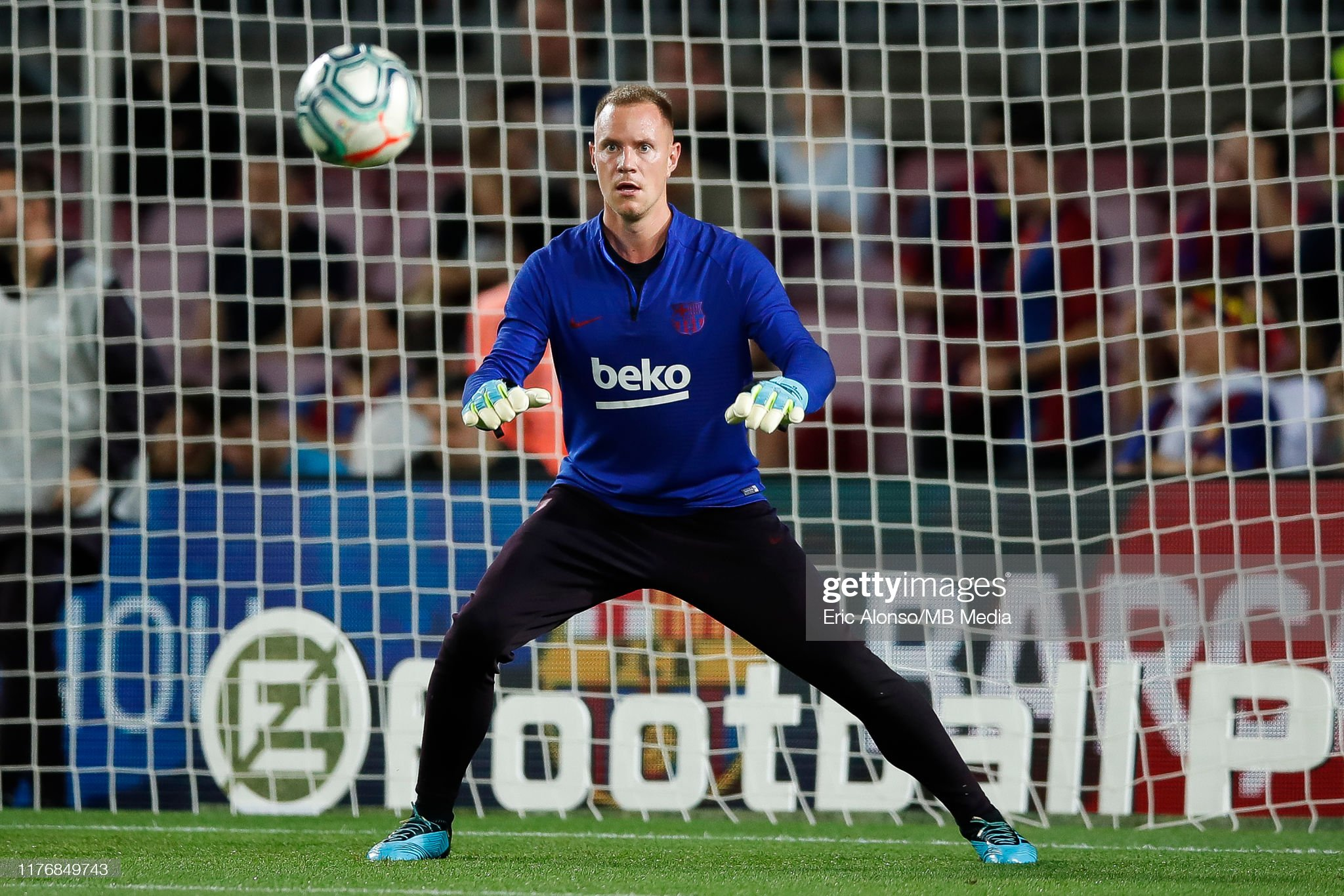 صور مباراة : برشلونة - فياريال 2-1 ( 24-09-2019 )  Marc-andre-ter-stegen-during-the-warm-up-of-liga-match-between-fc-picture-id1176849743?s=2048x2048