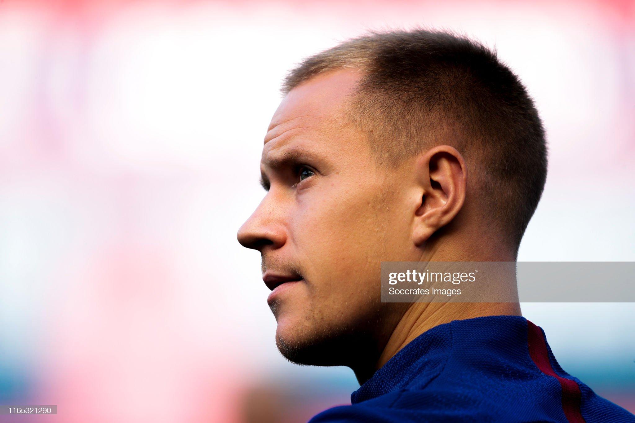 صور مباراة : أوساسونا - برشلونة 2-2 ( 31-08-2019 )  Marc-andre-ter-stegen-of-fc-barcelona-during-the-la-liga-santander-picture-id1165321290?s=2048x2048