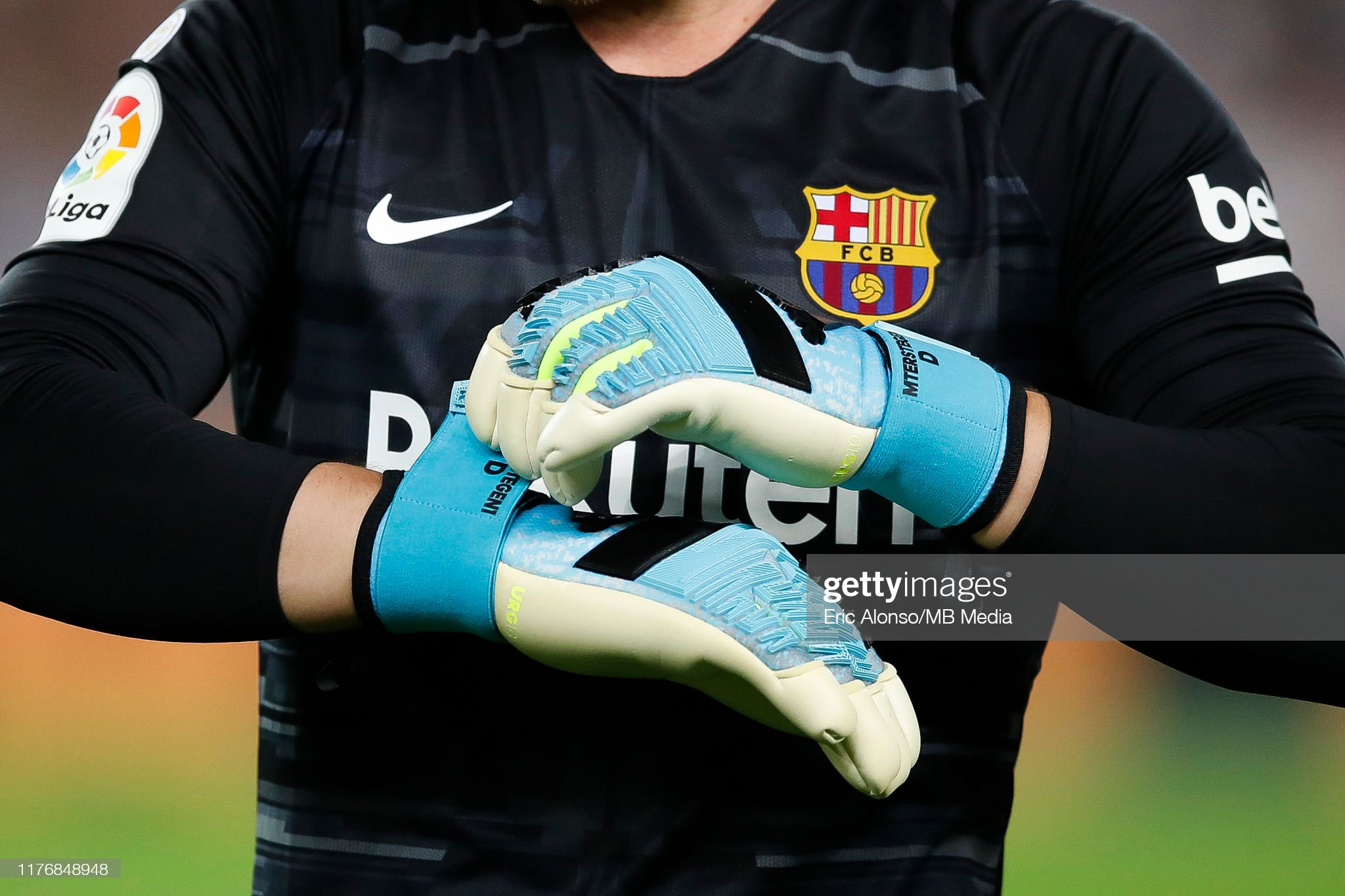 صور مباراة : برشلونة - فياريال 2-1 ( 24-09-2019 )  Marc-andre-ter-stegen-of-fc-barcelona-during-the-liga-match-between-picture-id1176848948?s=2048x2048