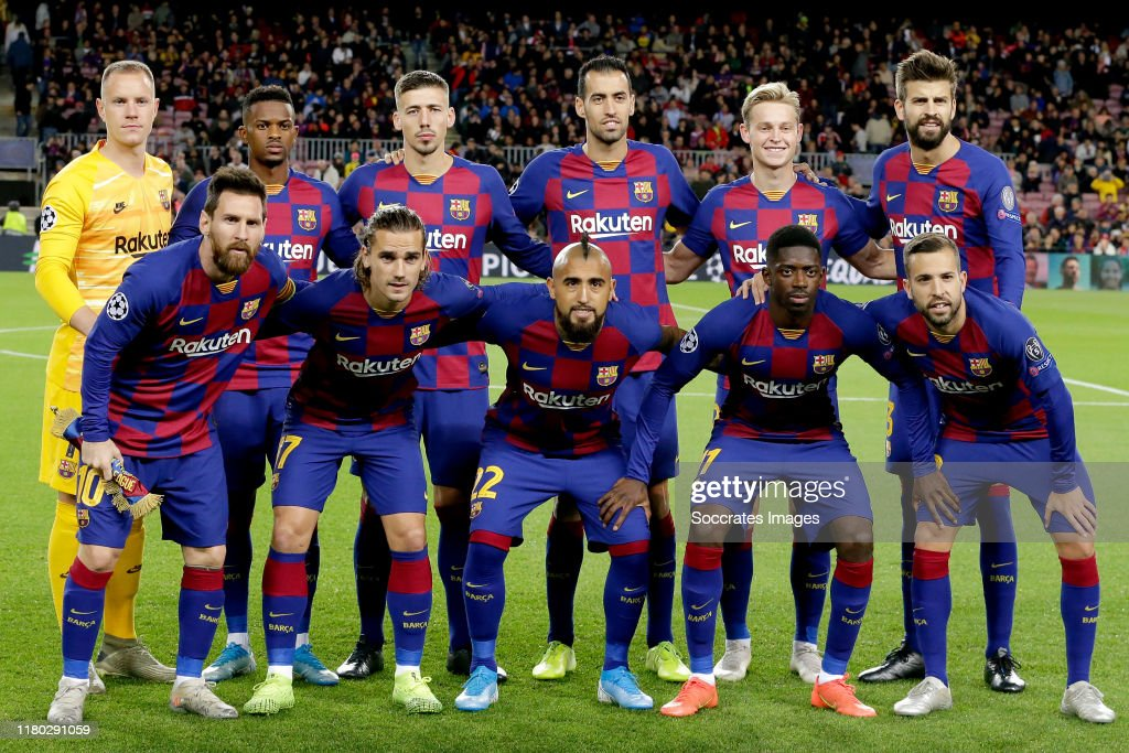 FC Barcelona v Slavia Prague - UEFA Champions League : News Photo
