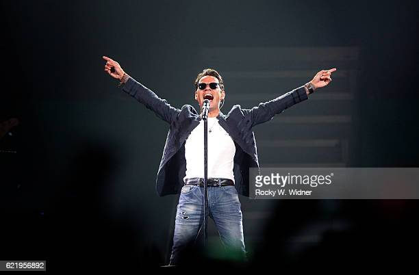 Marc Anthony performs at SAP Center on November 4 2016 in San Jose California