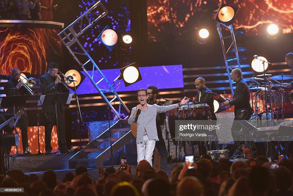 2015 Premios Lo Nuestros Awards - Show : News Photo