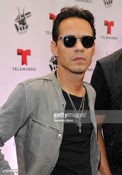 Marc Anthony poses on the red carpet during La Voz Kids finale at Universal Orlando on June 6 2015 in Orlando Florida