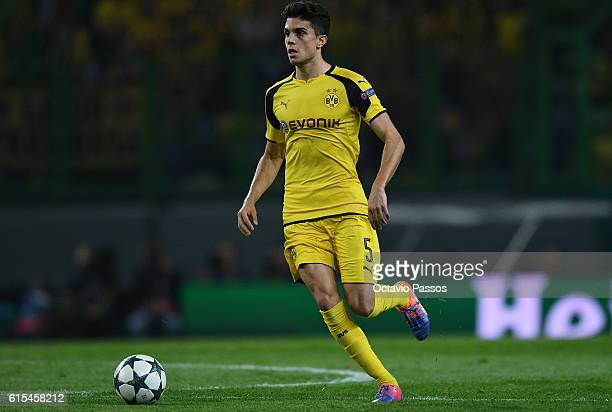 Marc Bartra of Borussia Dortmund in action during the UEFA Champions League match between SC Sporting and Borussia Dortmund at Estadio Jose Alvalade...