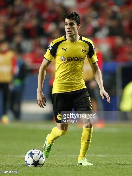 Marc Bartra of Borussia Dortmundduring the UEFA Champions League round of 16 match between SL Benfica and Borussia Dortmund on February 14 2017 at...