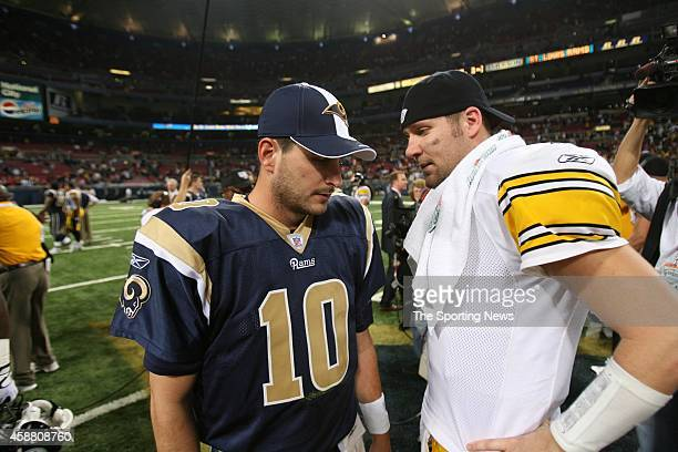 Marc Bulger of the St Louis Rams and Ben Roethlisberger of the Pittsburgh Steelers speak to each other after a game on December 20 2007 at the Edward...