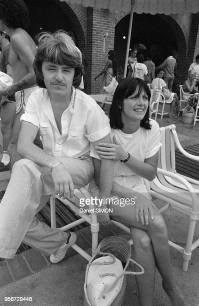 Marc Cerrone et son épouse Jill lors des olympiades de la chanson organisées par Europe 1 à Dakar du 10 au 14 décembre 1979 Sénégal
