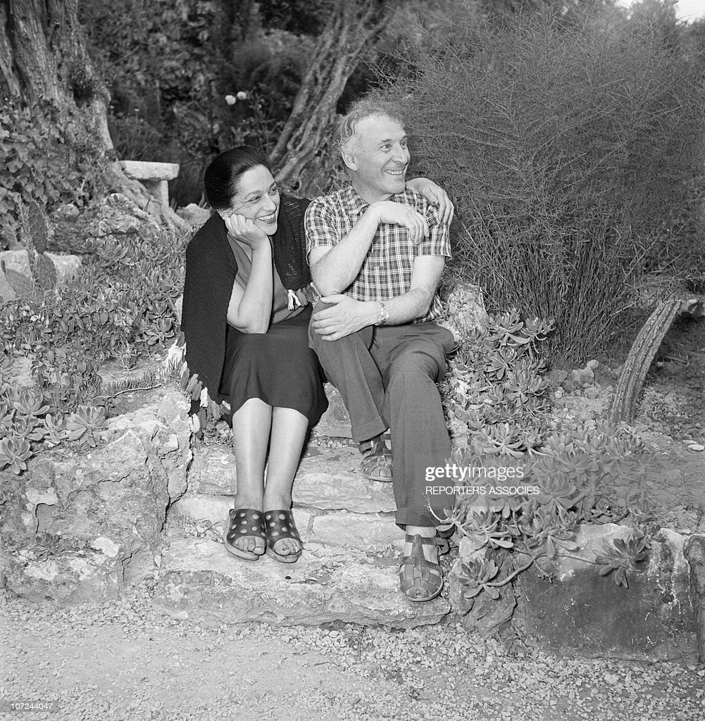 Pablo Picasso and Marc Chagall in 1948 : Nieuwsfoto's
