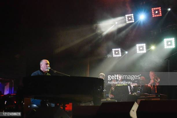 Marc Cohn performs on stage during the Fourth Annual LOVE ROCKS NYC benefit concert for God's Love We Deliver at Beacon Theatre on March 12 2020 in...
