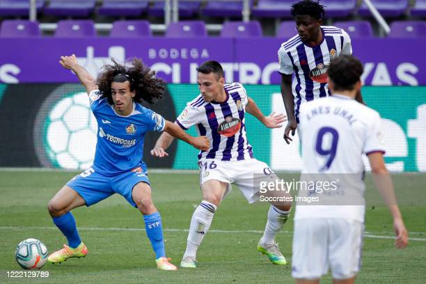 Marc Cucurella of Getafe, Fede of Real Valladolid during the La Liga Santander match between Real Valladolid v Getafe at the José Zorrilla stadium on...