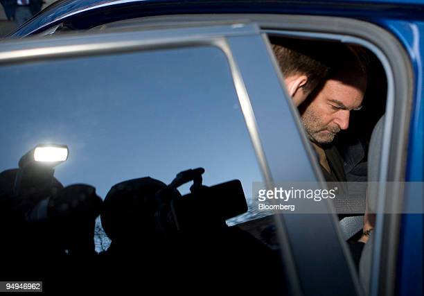 Marc Dreier, founder of Dreier LLP, right, gets into a vehicle after making bail and being released from jail in New York, on Feb. 13, 2009. Dreier,...