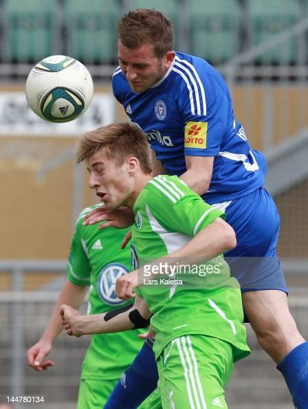Marc Heider Of Holstein Kiel And Robin Knoche Of Vfl Wolfsburg Ii Vie News Photo Getty Images