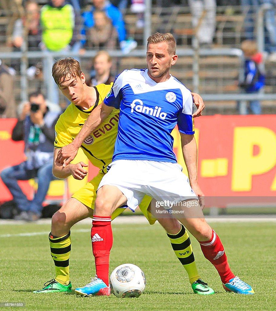 Marc Heider Of Kiel Challenges Dominik Nothnagel Of Dortmund Ii News Photo Getty Images