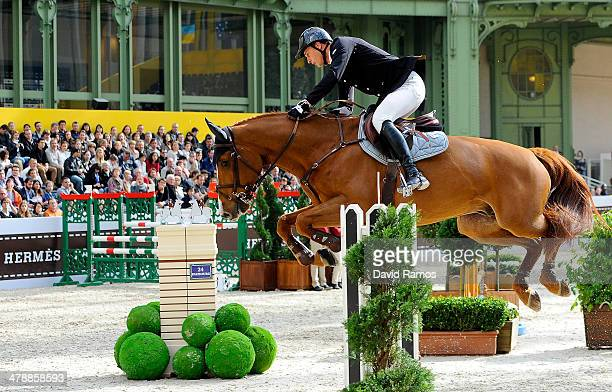 Marc Houtzager of Netherlands on Sterrehf's Uppity in action to winn the Prix GL Events during the second day of the Grand Prix Hermes of Paris at...