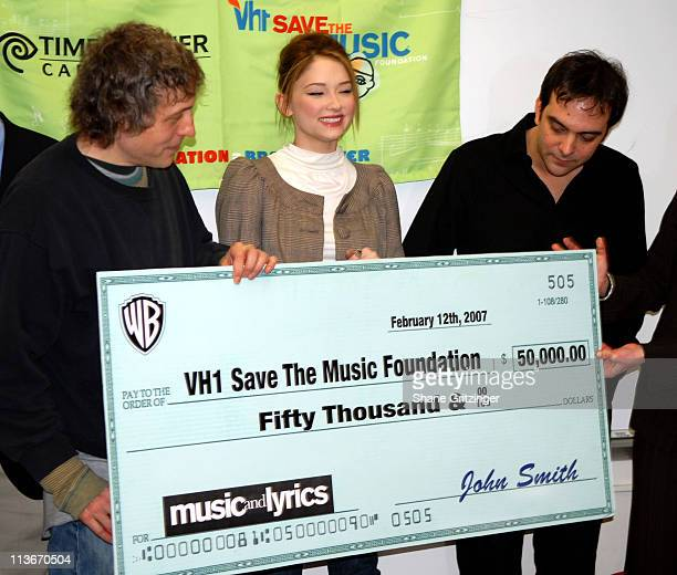 Marc Lawrence Haley Bennett and Adam Schlesinger during Marc Lawrence and Haley Bennett Present $50000 Donation To The VH1 Save The Music Foundation...
