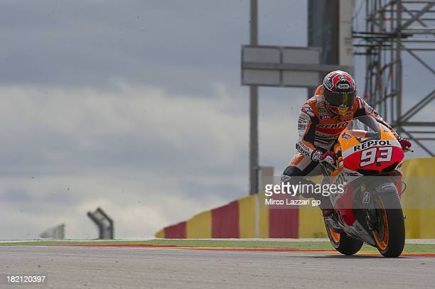 Marc Marquez of Spain and Repsol Honda Team heads down a straight during the MotoGP of Spain - Qualifying at Motorland Aragon Circuit on September...