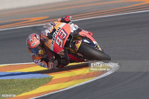 Marc Marquez of Spain and Repsol Honda Team rounds the bend during the MotoGP of Valencia Qualifying at Ricardo Tormo Circuit on November 12 2016 in...