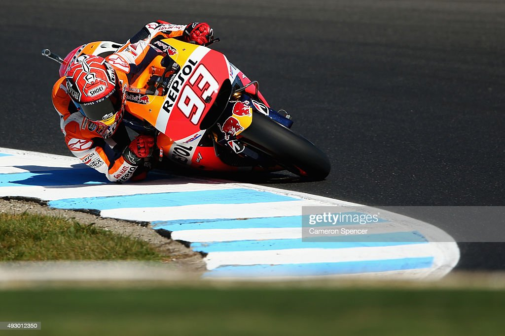 Marc Marquez of Spain and the Repsol Honda team rides during qualifying for the 2015 MotoGP of Australia at Phillip Island Grand Prix Circuit on October 17, 2015 in Phillip Island, Australia.