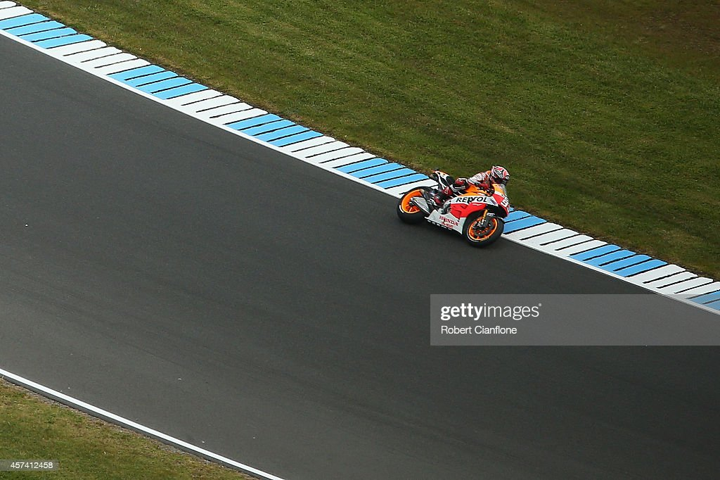 Marc Marquez of Spain rides the #93 Repsol Honda Team Honda during qualifying for the 2014 MotoGP of Australia at Phillip Island Grand Prix Circuit on October 18, 2014 in Phillip Island, Australia.