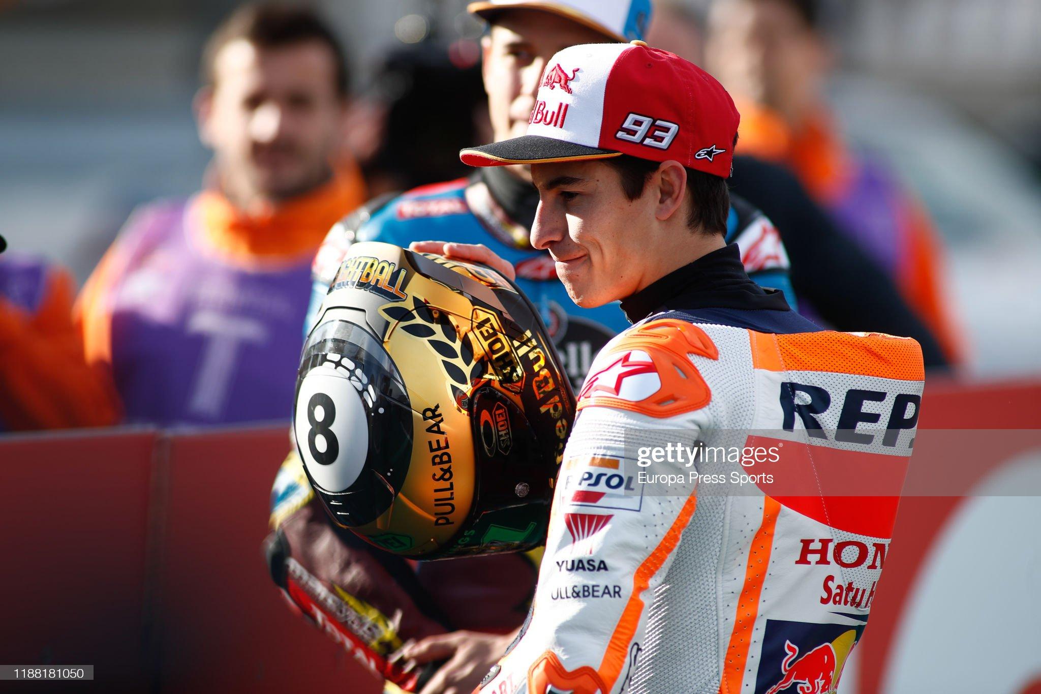 MOTOGP GRAND PRIX DE  VALENCE DU 15 AU 17 NOVEMBRE 2019 Marc-marquez-rider-of-repsol-honda-team-from-spain-looks-on-during-picture-id1188181050?s=2048x2048