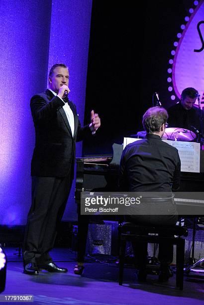 """Marc Marshall , Konzert während Tournee mit italienischen Liedern """"La Stella - Show Italiano"""", """"Musical-Theater"""", Bremen, Deutschland, Europa,..."""