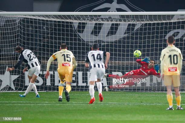 Marc Mateu of UD Castellon scores his side's first goal from the penalty spotduring the Liga Smartbank match betwen CD Castellon and RCD Espanyol de...
