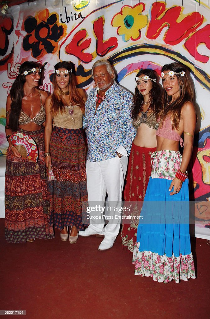 Famoso Flower Power Party in Ibiza Photos and Images | Getty Images XW83
