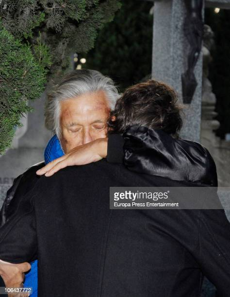 Marc Ostarcevic attends the funeral for Carla Duval sister of vedette Norma Duval at San Isidro Cementery on November 1 2010 in Madrid Spain Carla...