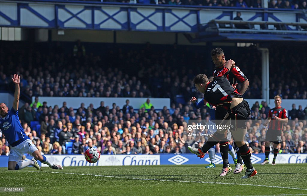 Marc Pugh of Bournemouth scores his team's first goal during the Barclays Premier League match between Everton and A.F.C. Bournemouth at Goodison Park on April 30, 2016 in Liverpool, England.