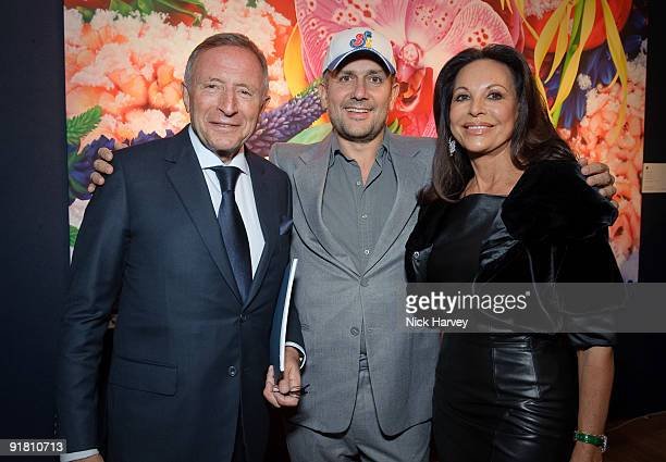 Marc Quinn Laurence Graff Marc Quinn and AnneMarie Graff attend reception hosted by Graff held in aid of FACET at Christie's King Street on October...