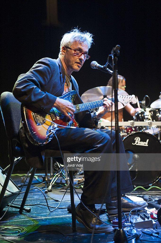 Marc Ribot Y Los Cubanos Postizos Perform In Barcelona : News Photo