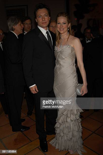 Marc Schauer and Laura Linney attend Vanity Fair Oscar Party at Morton's Restaurant on February 27 2005 in Los Angeles California