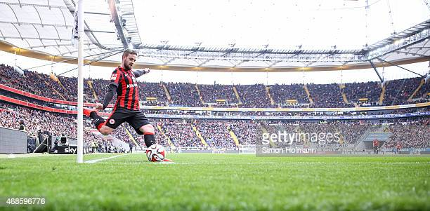 Marc Stendera of Frankfurt takes a corner kick during the Bundesliga match between Eintracht Frankfurt and Hannover 96 at CommerzbankArena on April 4...
