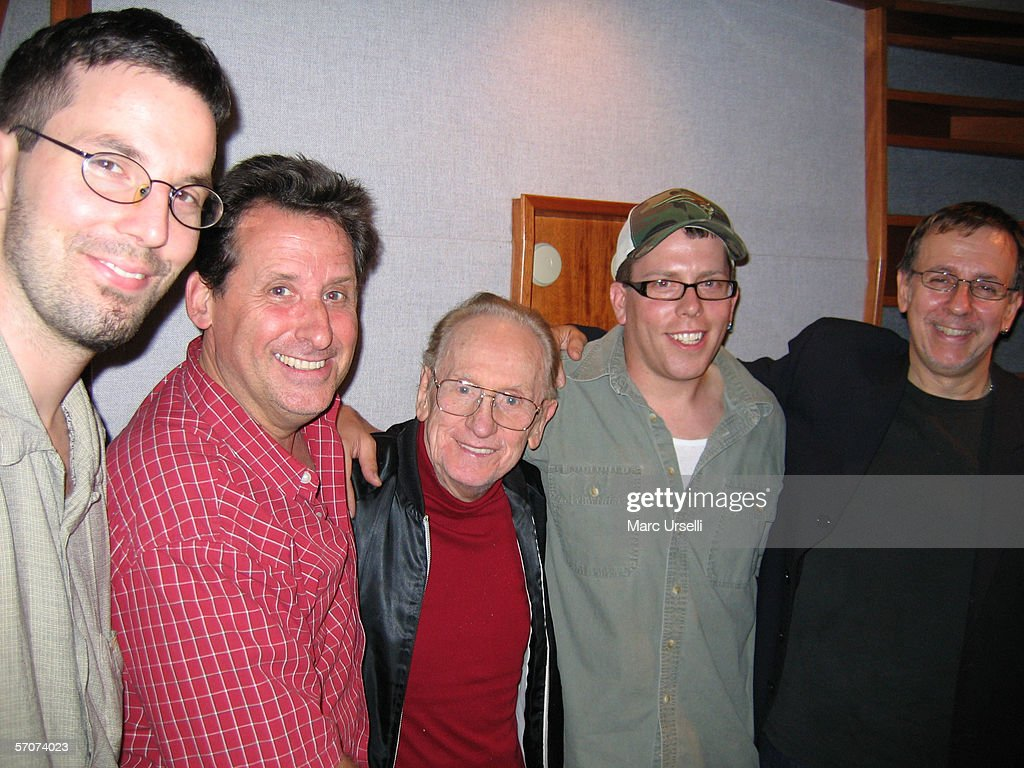 Les Paul At EastSide Sound Recording Studios : News Photo