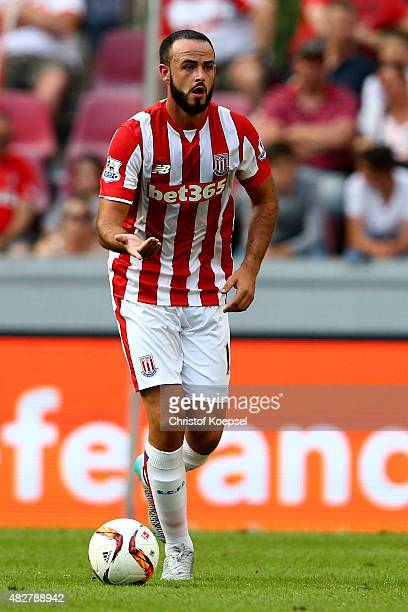 Marc Wilson of Stoke City runs with the ball during the Colonia Cup 2015 match between FC Porto and Stoke City FC at RheinEnergieStadion on August 2...