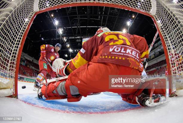 Marc Zanetti and Hendrik Hane of the Duesseldorfer EG during the game between the Duesseldorfer EG and the Fischtown Pinguins Bremerhaven at the ISS...