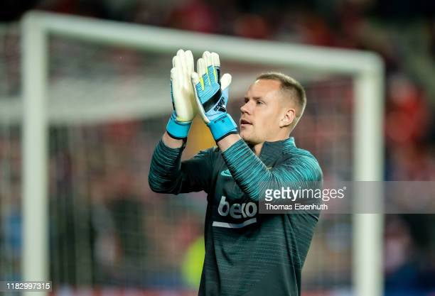MarcAndre ter Stegen of Barcelona reacts during the UEFA Champions League group F match between Slavia Praha and FC Barcelona at Eden Stadium on...