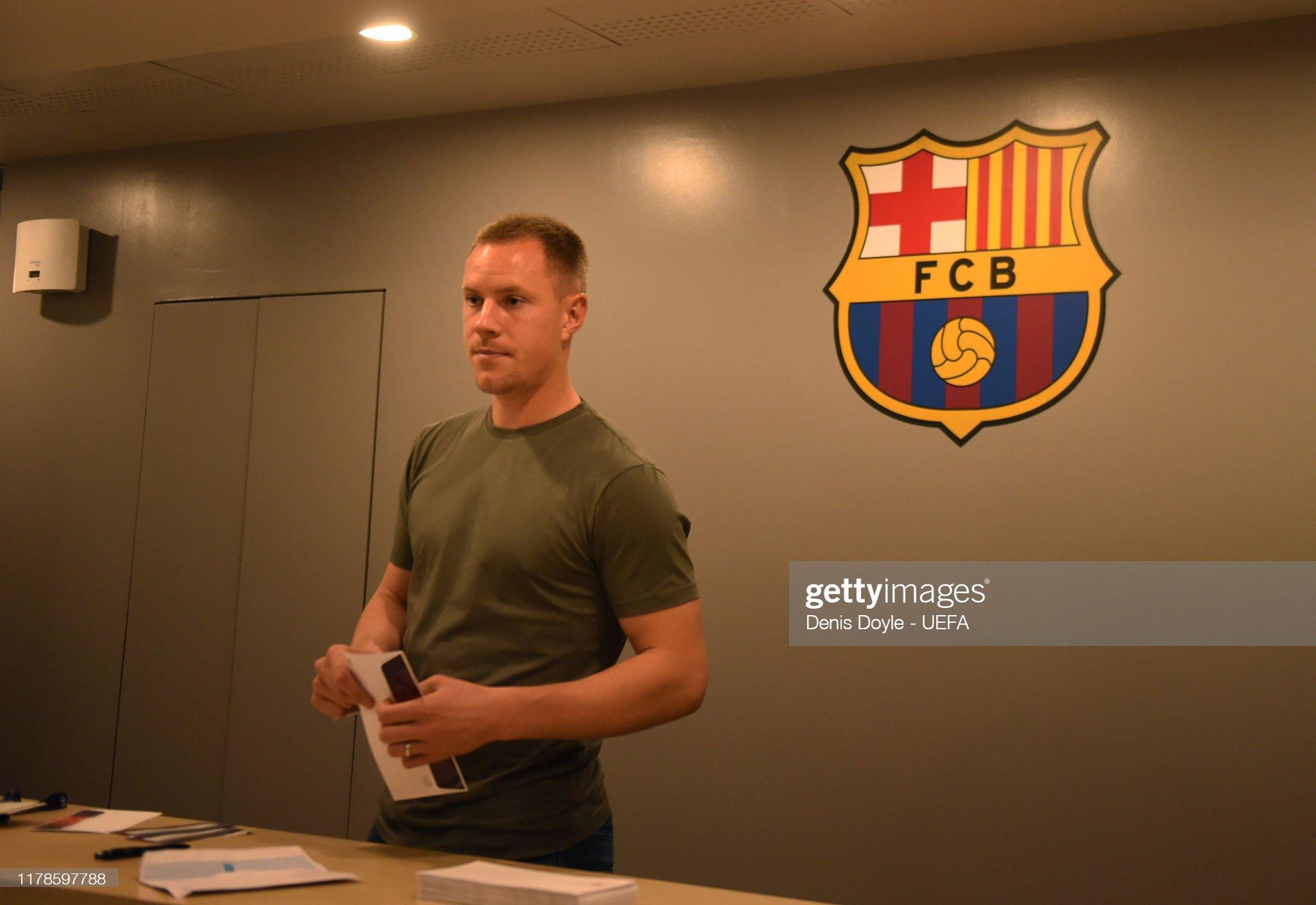 صور مباراة : برشلونة - إنتر 2-1 ( 02-10-2019 )  Marcandre-ter-stegen-of-fc-barcelona-arrives-for-the-uefa-champions-picture-id1178597788?s=2048x2048