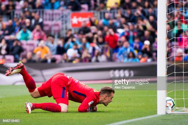MarcAndre Ter Stegen of FC Barcelona fails to stop the penalty kick taken by Daniel Parejo of Valencia CF during the La Liga match between Barcelona...