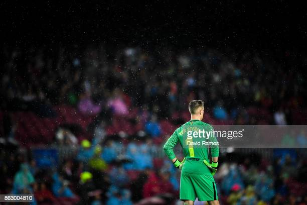 MarcAndre ter Stegen of FC Barcelona looks on during the UEFA Champions League group D match between FC Barcelona and Olympiakos Piraeus at Camp Nou...