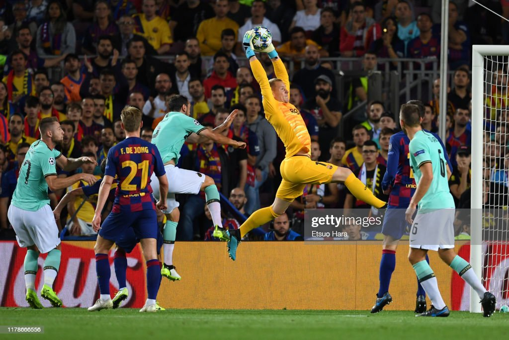 FC Barcelona v Inter: Group F - UEFA Champions League : News Photo