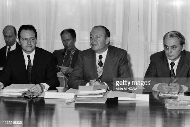 Marceau Long président de l'ORTF lors d'une réunion du comité d'entreprise à Paris le 27 avril 1974 France